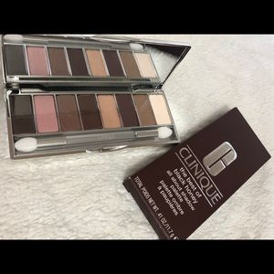 Clinique Eyeshadow pallete. New with box.Unused.